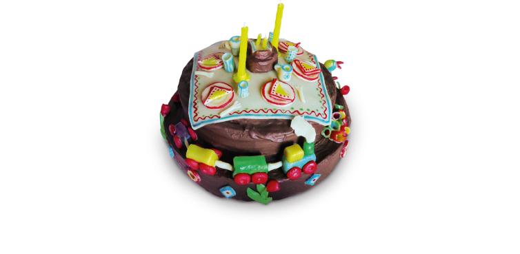 <b>Anlass:</b> 3. Geburtstag meines Sohnes, 2010. Das Picknick. Marzipan auf Berner Schokoladentorte.