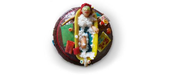 <b>Anlass:</b> 50. Geburtstag meiner Freundin, 2009. Marzipan mit Kokospaste auf Berner Schokoladentorte.