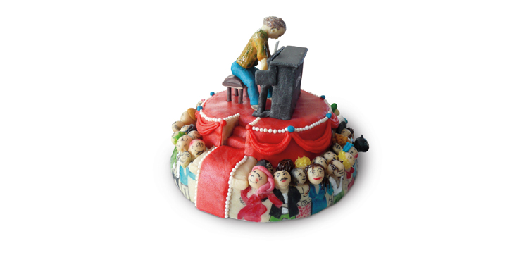 <b>Anlass:</b> Geburtstagstorte, 2015. Der Pianist. Marzipan auf Berner Schokoladentorte.